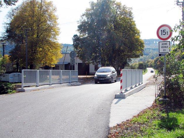 Most přes potok Kyjovku ve Stupavě.