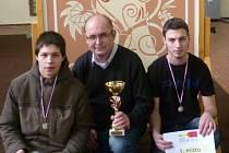 Martin Kubját a David Antoš ze Střední průmyslové školy stavební obor malíř a lakýrník vyhráli v celorepublikové soutěži učňů Mladý malíř v Praze první místo.