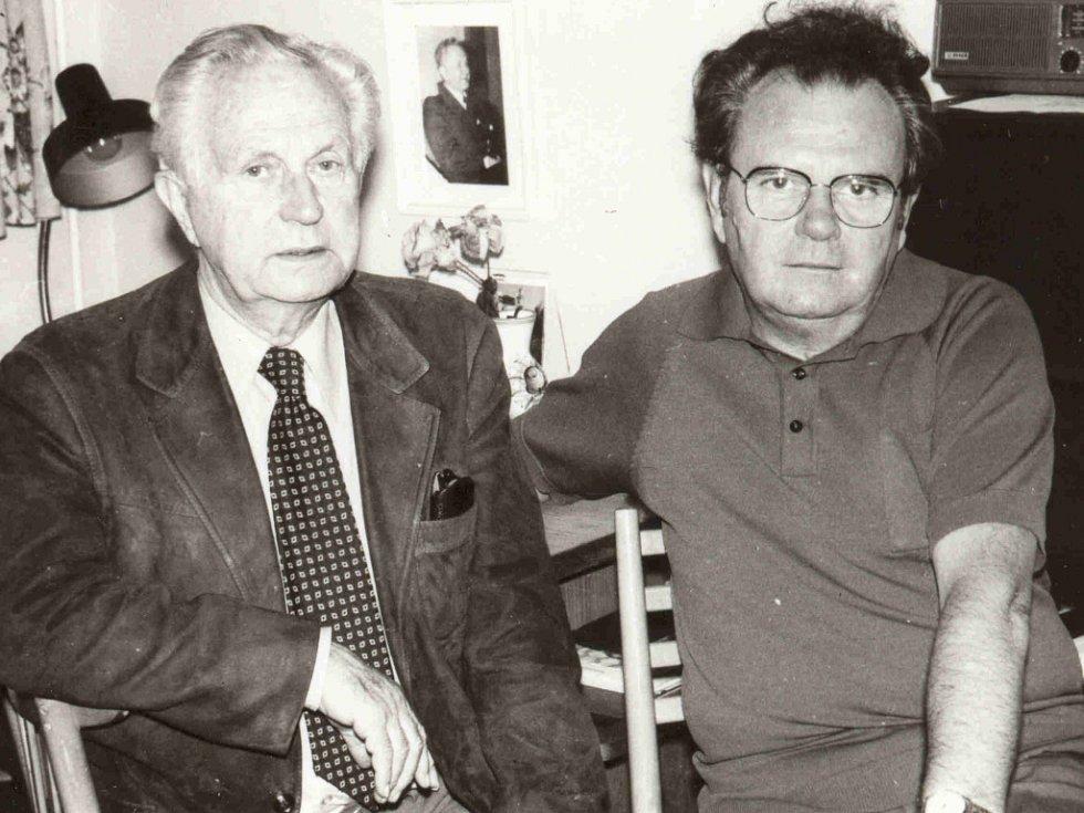 Blahoslav Smišovský (vpravo) se svým dlouholetým přítelem, spisovatelem Františkem Kožíkem.