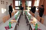Návštěva prezidenta Miloše Zemana. Návštěva Šlechtitelské stanice vinařské v Polešovicích.
