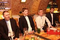 Veřejnou zkoušku si v Galerii slováckých vín odbyl mužský sbor z Lipova.