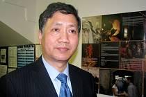 Slavnostního zahájení Semináře čínských filmů se zúčastnil i čínský Kulturní rada Yo Guodi.