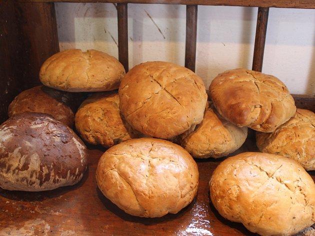Pečení chleba v Dolním Němčí