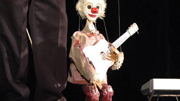 Marionety.