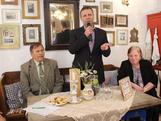 Zástupci Regionu Slovácko představili ve čtvrtek 14. května v Hradčovicích nový projekt Tož okoštujte Slovácko.