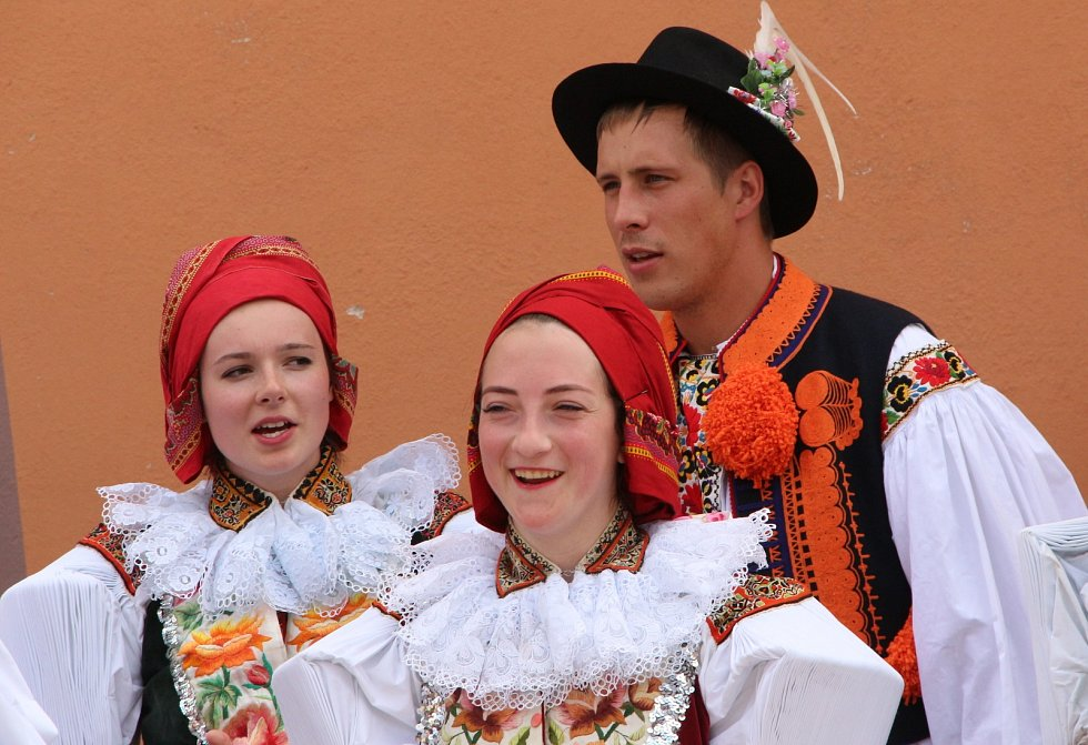 Slovácké hody se stárky v Ostrožské Lhotě