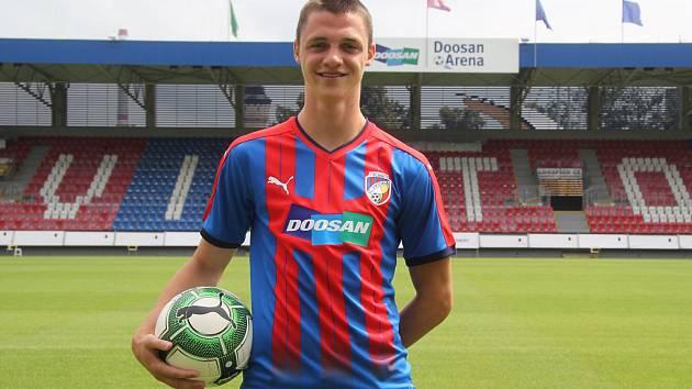 Dvacetiletý záložník Dominik Janošek přestoupil ze Slovácka do Plzně. Na Moravě ale bude hostovat.