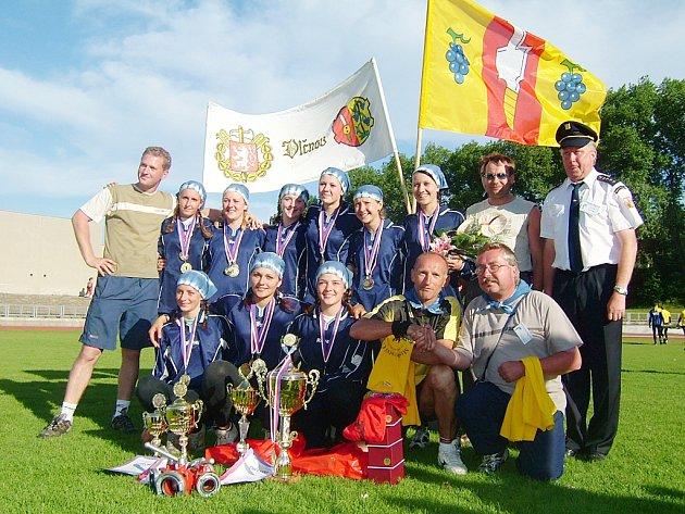 Dorostenky dobrovolných hasičů ve Vlčnově.