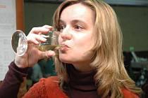 Víno na domácí půdě si vychutnala i Gabriela Kováříková.