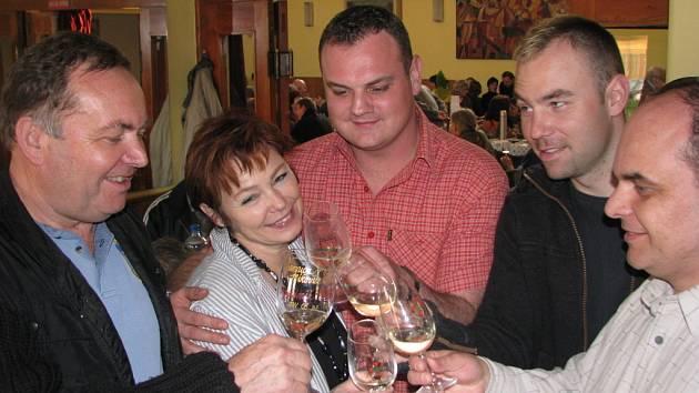 Pod odborným dohledem vinařského mistra chutnalo víno mnohem lépe.