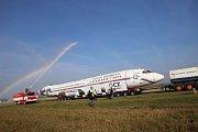 Příjezd Naganského expresu do muzea letadel v Kunovicích