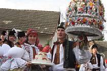 Soutěžní pár č. 21: Andrea Lakosilová a Jan Gottwald, Zlechov, starší stárci na hodech 23.-24. října.