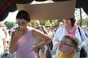 Na festivalu se soutěžilo v čichání  česneku.