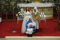 Dolní Němčí: Příběh o Ježíškově narození završil televizní štáb interviem s Pannou Marií