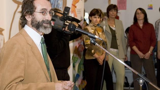 Ředitel ZUŠ Stanislav Nemrava.