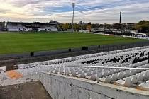 Stadionu Lokomotivu Plovdiv se přezdívá Lauta podle názvu parku, ve kterém se nachází. Je víceúčelový a má kapacitu 13 200 diváků. Pro zápasy evropských soutěží je však snížená na 9 200 míst.