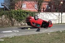 Dopravní nehoda na křižovatce ulic Jana Lucemburského a Otakarovy v Uh. Hradišti.