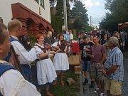 Bohatý kulturní program i pochutiny a tradiční nápoje z jednotlivých vesnic, tím se tradičně prezentoval na 16. ročníku Slováckých slavností vína a otevřených památek mikroregion Východní Slovácko. Ten v sobotu 8. září v Uherském Hradišti obsadil nádvoří