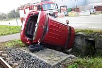 Nehoda osobního vozu v Zubří na Rožnovsku; pondělí 26. září 2016