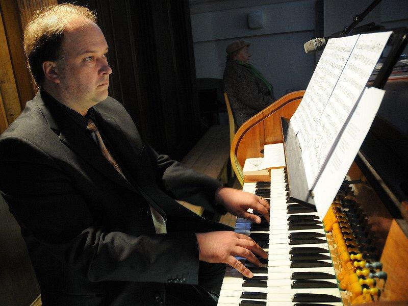 Na varhany hrál Vladimír Roubal.