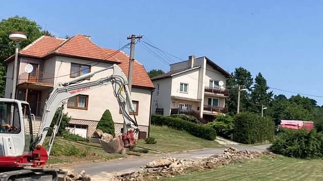 Rekonstrukce místní komunikace v části obce Chalůpky.
