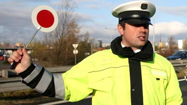Mladí piráti silnic: jízda pod vlivem vyjde draho. Na pokutách i drogách
