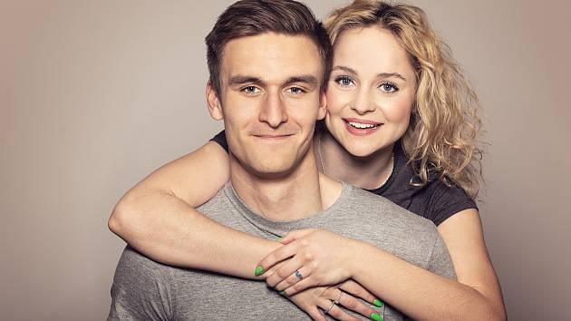 Bývalý brankář Slovácka Matouš Trmal s přítelkyní Anastázií Chocholatou.