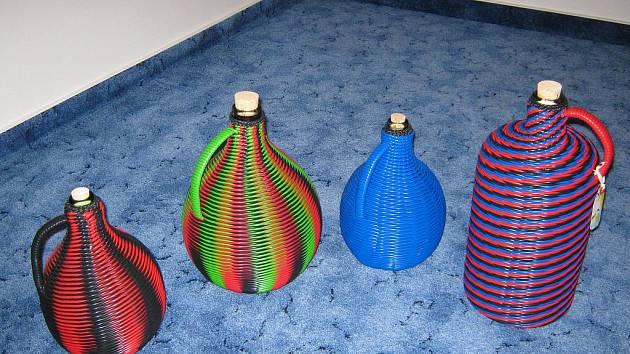 Jenom materiálové náklady na desetilitrový demižon včetně skla se pohybují kolem 550 korun.