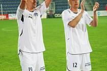 Aleš Chmelíček a Pavel Němčický (vpravo) – střelci obou gólů Slovácka – slaví výhru.