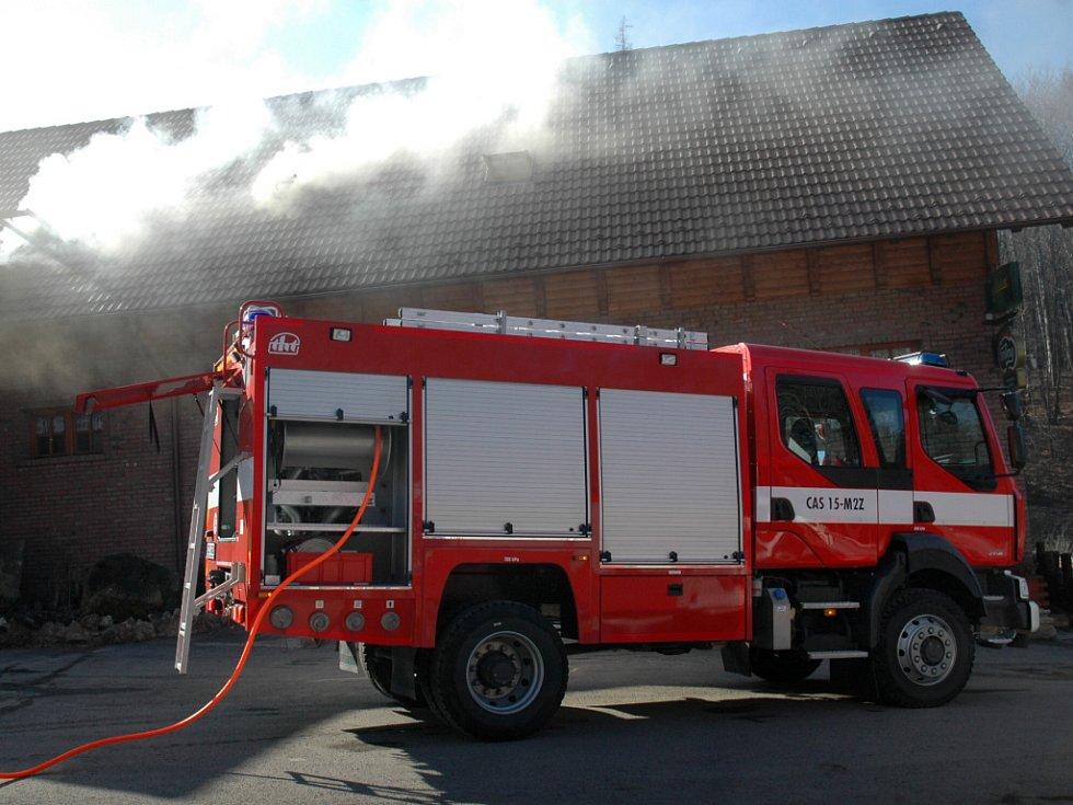 Právě komín způsobil také požár motorestu Samota v buchlovských horách.