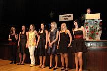 Florbalové juniorky si přišly pro medaile za nejlepší tým Uherskobrodska.