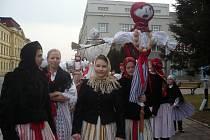 Za zpěvu písní vyprovodil Hradišťánek k řece symbol zimy – Morenu. Ilustrační foto.