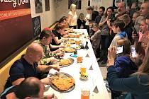 Už 5. ročník jedlíkovské soutěže Slovácký řízek 2020, tedy klání vpojídání dvoukilových řízků Sloní ucho, se uskuteční v sobotu 15. února od 17.30 vCafé bistru Rybníček ve Starém Městě.