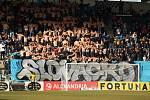 Fotbalisté Slovácka (v bílých dresech) proti Baníku Ostrava