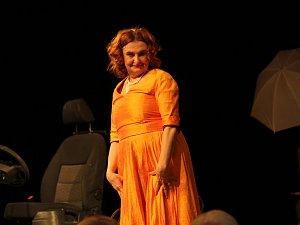 One women show Evy Holubové tleskal zaplněný Dům kultury