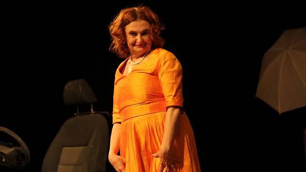 Eva Holubová se představila se svým sólem v divadelním představení Hvězda v uherskobrodském Domě kultury.
