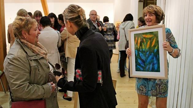 Výstava obrazů snázvem Listy bude vMuzeu Podhradí Buchlovice kvidění do 4. listopadu.