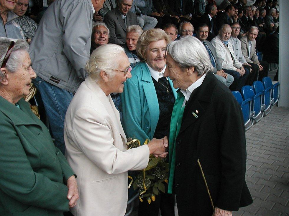 Spoluhráčky - mistryně Československa 1950 na Stadionu Dany Zátopkové