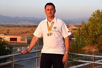 Střelec Stanislav Hromada byl ve španělské Granadě na mistrovství Evropy ve střelbě z předovek členem vítězného družstva v doutnákové pistoli.