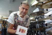 Bubeník Josef Pavka se publikem na čas rozloučil na vyprodaném koncertu v Topolné