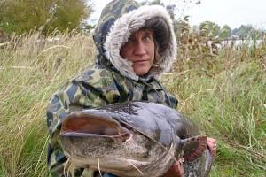 Soutěžní číslo 93. Dana Klímková, sumec, 165 cm a nevážen.