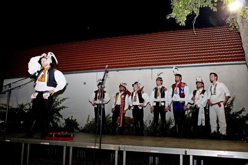 Písně, tance a hudba uchvátily vsobotu návštěvníkybabického Mýtinkafestu.