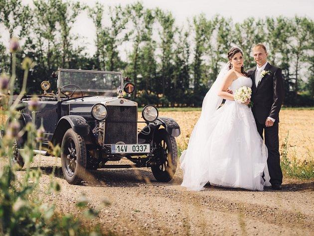 Novomanželé Lucie a Petr Bujáčkovi.