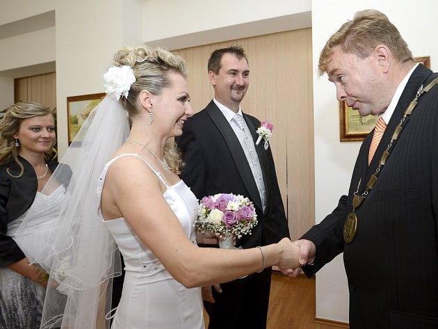 Novomanželé Háblovi.