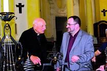 Tomáš Špidlík (na snímku vlevo) a kněz Michal Altrichter se setkali také při příležitosti návštěvy hrobu svaté Zdislavy v Jablonném vPodještědí.
