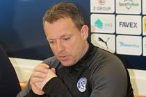 Náročný trenér Slovácka Martin Svědík svěřence v zimě vůbec nešetřil.