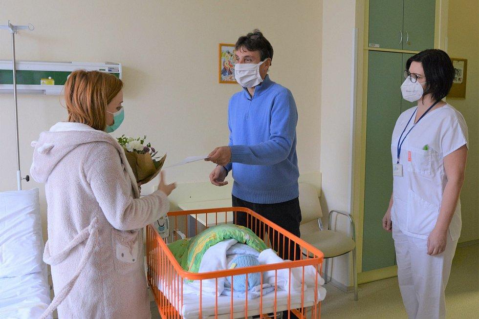 Prvním novorozencem v porodnici Uherskohradišťské nemocnice roku 2021 se stal Václav, který se narodil mamince Marcele Procházkové z Tvarožné Lhoty.