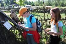 HRÁTKY V PŘÍRODĚ. Ve skanzenu je pro děti připravilo ekologické centrum Trnka Uherské Hradiště.
