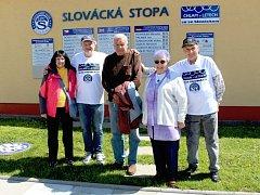 Antonín Juran (uprostřed) u Slovácké stopy.