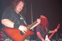 Uherskobrodská bigbítová kapela (na snímku kytarista Martin Mikulec) vystoupí na víkendovém motosrazu v Suché Lozi.